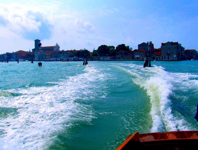 Fun In Venice Making waves on the way to Murano. https://witness.theguardian.com/assignment/563240a2e4b097ba40e93a08/1785570